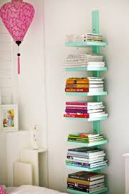 astuce de rangement chambre astuces de rangement chambre 5 bibliotheque verticale livre lzzy co
