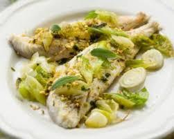 cuisiner poisson blanc recette de filet de poisson blanc à la fondue de poireaux citronnée