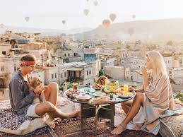 get paid to travel images Travel blogging couple get paid up to 7 000 per instagram post png