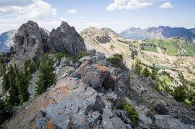hiking sugarloaf mountain and devil u0027s castle in wasatch cache