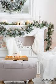 White Christmas Mantel Ideas by Elegant And Simple Christmas Living Room In White Shabbyfufu
