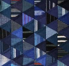 la chambre des couleurs mini quilt made with japanese cottons thousand pyramids design