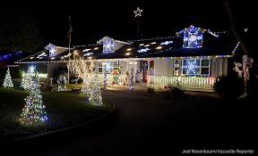 christmas displays colorful christmas displays around solano county the reporter