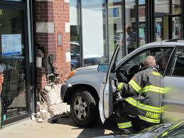 car strikes hyannis dental office