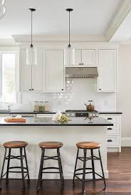 white shaker kitchen cabinets with white subway tile backsplash white shaker cabinets with white subway tiles