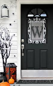 Decorating The Entrance To Your Home How To Decorate Every Room In Your House For Halloween Haunted