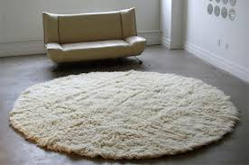 round rugs for living room uses of a round rug darbylanefurniture com