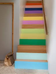 escalier peint 2 couleurs et si on peignait les escaliers contremarches peintes
