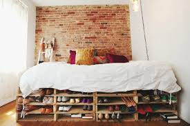 Diy Pallet Bed With Storage by 11 Designs For Diy Beds Made Out Of Pallets Tiphero