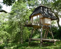 li st 10 modern treehouses we u0027d love to have in our own backyard