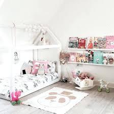 cabane fille chambre cabane chambre garcon diy lit cabane lit ras au sol enfant modele