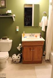 Small Bathroom Makeovers Before And After - this tiny bathroom was in desperate need of some tlc until now