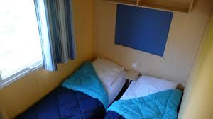 chambre 2 lits location mobil home irm véga 2 chambres 4 personnes 20m