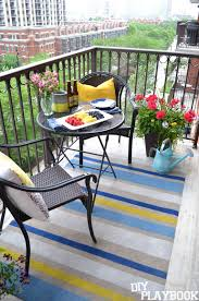 Diy Outdoor Rug How To Paint This Diy Outdoor Rug In Three Easy Steps Diy Playbook