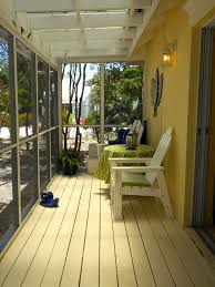 round table discovery bay discovery bay holiday cottage waterfront cottage dockside patio jeep