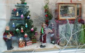 Window Decorating Contest For Christmas by Chamber U0027s Holiday Window Decorating Contest Underway Daily Bulldog