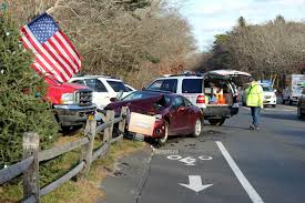 car accident near sleepy u0027s in wainscott saturday