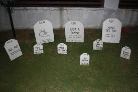 halloween headstones funny tombstones images photos fynnexp