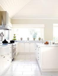 lambris pvc cuisine lambris pvc couleur avec cuisine lambris pvc cuisine avec marron