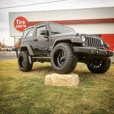 lifted jeep truck tire south