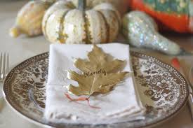 Table Setting Cards - thanksgiving table ideas gold leaf place cards wenderly