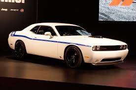 2014 dodge challenger debuts shaker hood packages at 2013