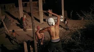 flucht vor altersarmut mit kleiner flucht aus marokko armut und gewalt treiben die menschen in die