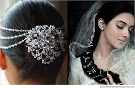 hair accessories for indian weddings 10 indian wedding hairstyles for sarees