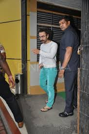 photos aamir khan recovers from swine flu gets clicked in the