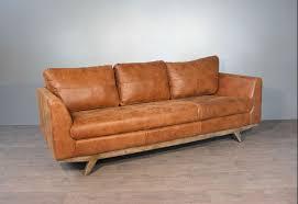 canapé marron clair canap vintage cuir marron simple canap trois places scandinave en