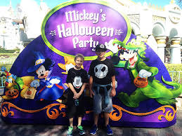 5 reasons to take your tween to halloween time at disneyland u2014 all