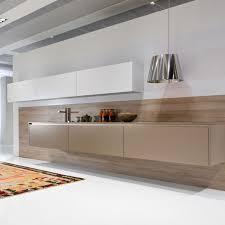 la cuisine v arienne pour tous des tiroirs tout en bois pour la cuisine inspiration cuisine