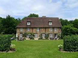 fine 15th cent manor house with a large homeaway les
