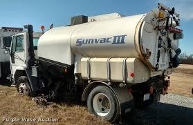 1995 ford cf7000 sum vac iii street sweeper truck item bu9