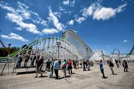 Six Flags Summer Pass Buy A Six Flags Magic Mountain Ticket Or Season Pass And Get Into