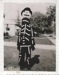 monsters vs aliens halloween special halloween treat tim burton u0027s mom made him a costume u0027alien vs