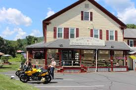 eats pastries and more at huntington country store