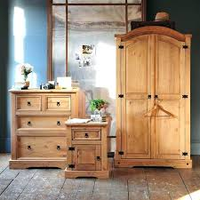 Light Pine Bedroom Furniture Broyhill Pine Bedroom Furniture Meetlove Info