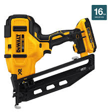 Coil Nails Home Depot by Dewalt 20 Volt Max 16 Gauge Cordless Angled Finish Nailer Kit