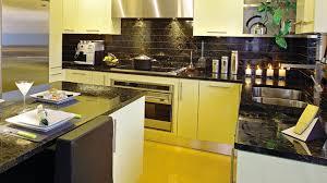 cuisine noir et jaune cuisine européenne le pouvoir de réflexion les idées de ma maison