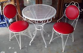 ice cream parlor table and chairs set childs ice cream parlor table chairs things mag sofa chair