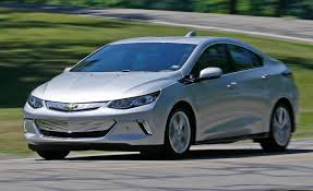 chevrolet volt 2017 chevrolet volt premier test u2013 review u2013 car and driver