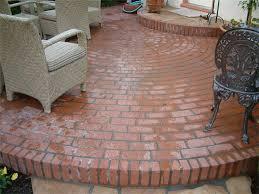 circular brick patio patterns design and ideas round brick patio
