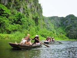 hoa lu u2013 trang an grottoes tour full day vietnam tom travel