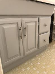 how to paint oak cabinets grey how to paint oak cabinets without the grain showing