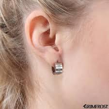 huggie earring huggie earring gibu auja grimfrost