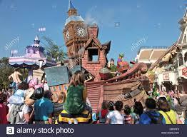 parade at the amusement park disneyland paris eurodisney stock
