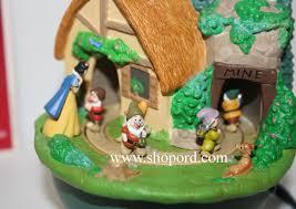 hallmark 2004 walt disney snow white and the seven dwarfs ornament