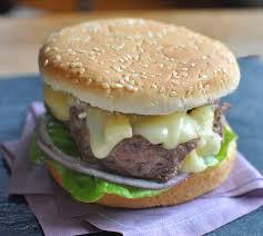cuisiner un hamburger hamburger au boeuf et au nectaire recette hamburger au