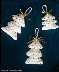 easy crochet christmas tree hanging ornament look snowing 2